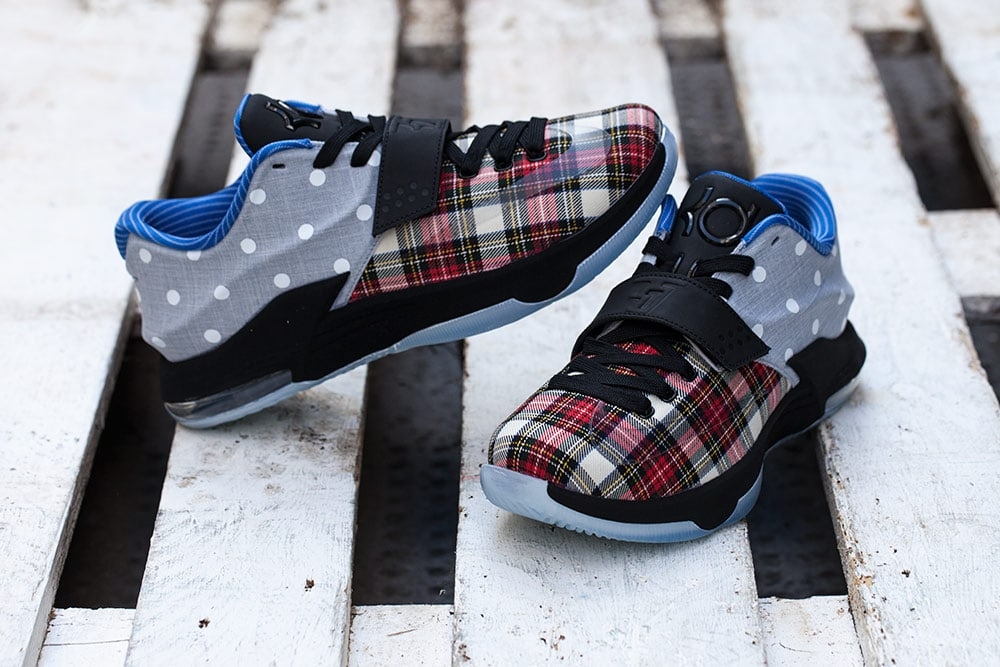 Nike-KD-7-EXT-Canvas-Polka-Dots