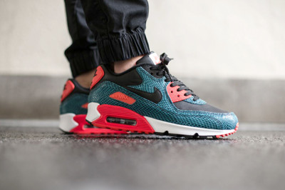 nike-air-max-90-dusty-cactus-snake-3