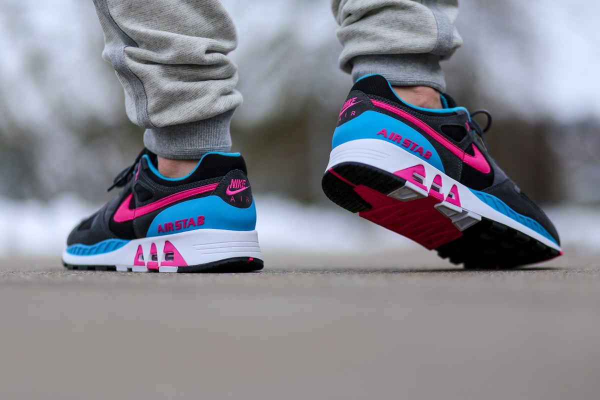 nike-air-stab-hot-pink-blue-lagoon-3