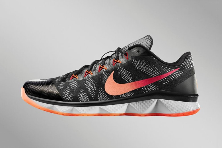 nike-cj3-flyweave-trainer-georgia-peach-1