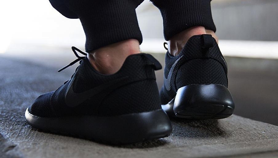 Nike Roshe Ejecución 2 Triples Negro comercializable en venta e6jLDwrz7G