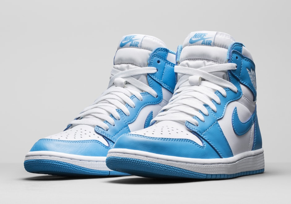 air-jordan-1-retro-high-og-unc-holiday-2015-12