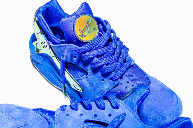 undefeated-nike-la-huarache-blue-suede-2
