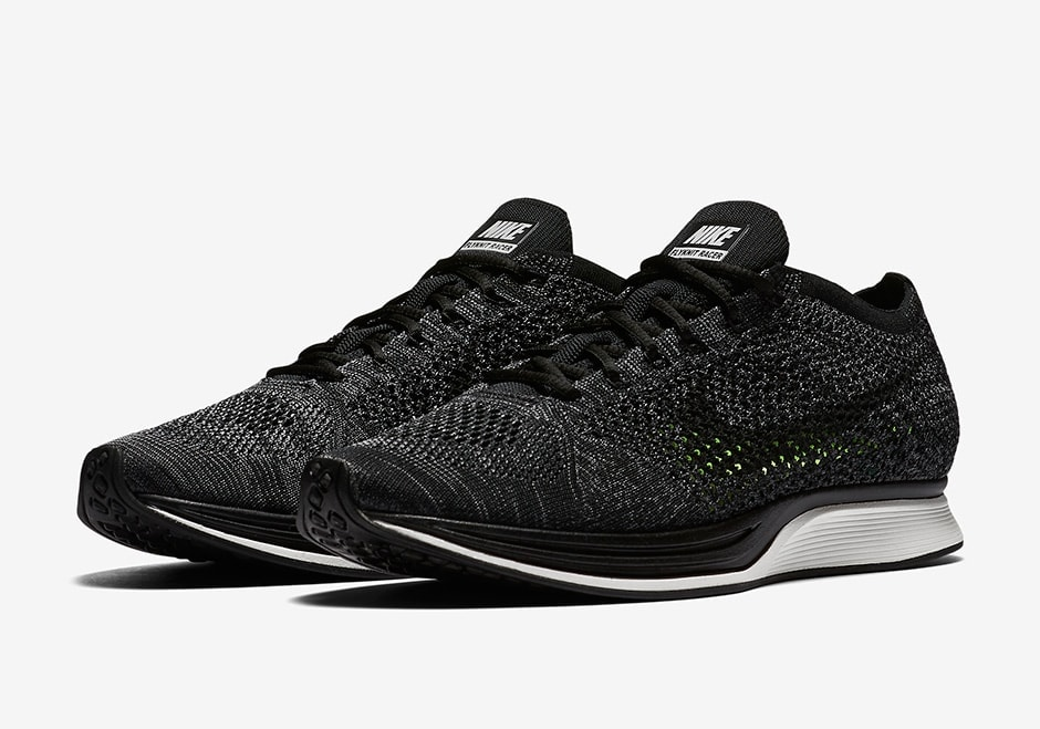 timeless design 56c51 72ce7 Nike Flyknit Racer Blackout All Black