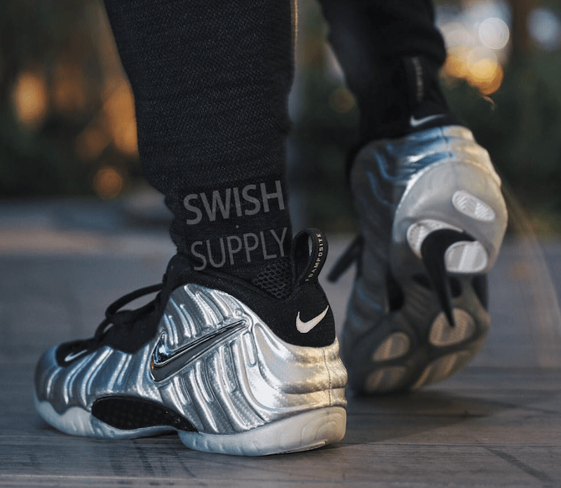 nike-foamposite-pro-metallic-silver-silver-surfer-on-feet-3