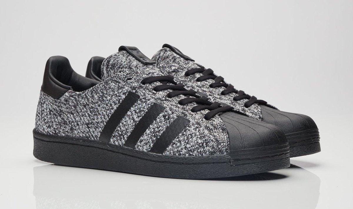 Adidas Superstar Black N White