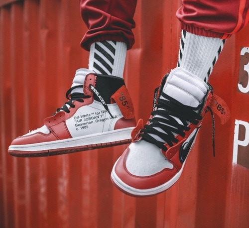 9ab4c24ad070 OFF-WHITE x Air Jordan 1