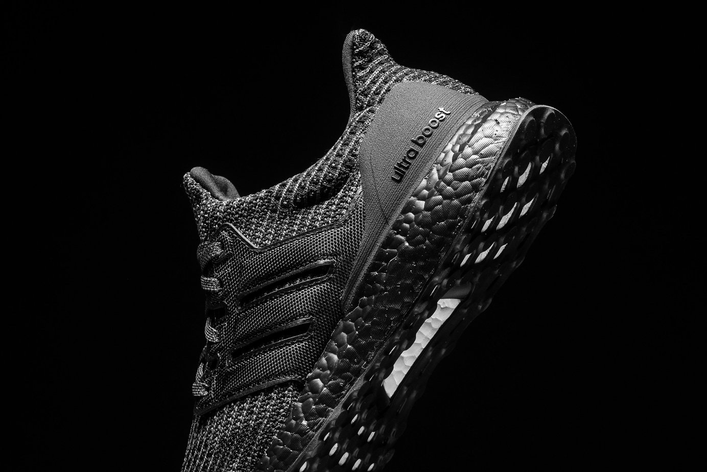 2b723109a ... clearance 0 restock 4 svart ultra trippel boost adidas t1wqx8hxn de4db  2d10f