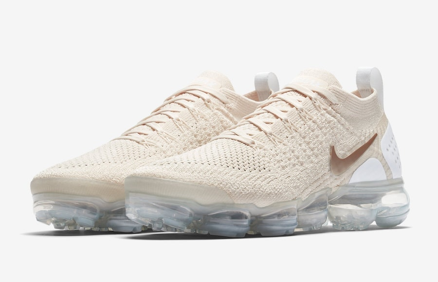 "0675d1189419 Nike Air Vapormax Flyknit 2.0 ""Light Cream"" Release Date  TBD Price   190.  Color  Light Cream White-Metallic Gold Style Code  942843-201"