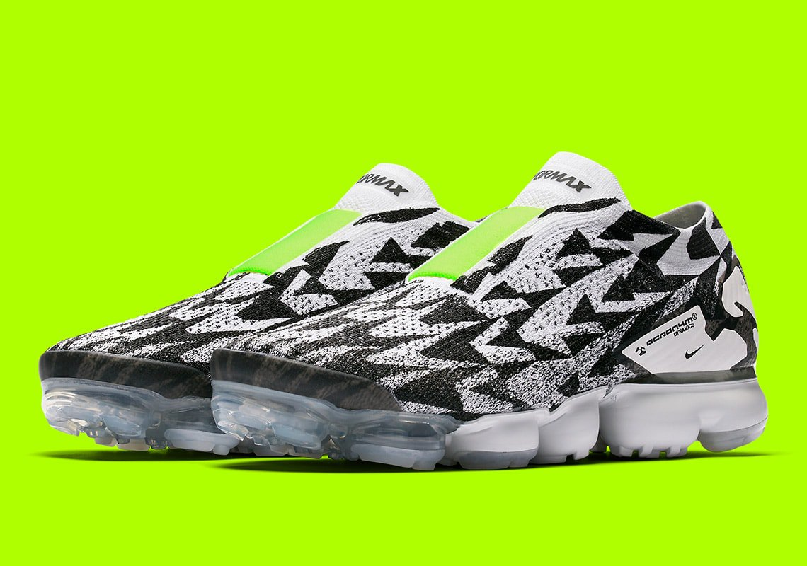 buy popular 4f4c6 8acfa Now, after a leaked pair surfaced online last month, the Acronym x Nike Air  Vapormax Flyknit Moc 2 ...