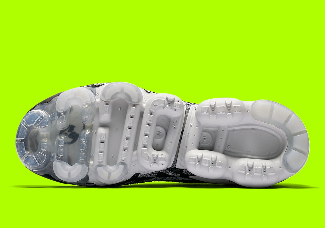 Acronimo X Nike Air Vapormax Moc 2 In Bianco E Nero imLGT9