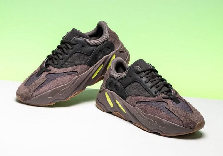 c46cbf9e0b3f8 adidas Yeezy Boost 700