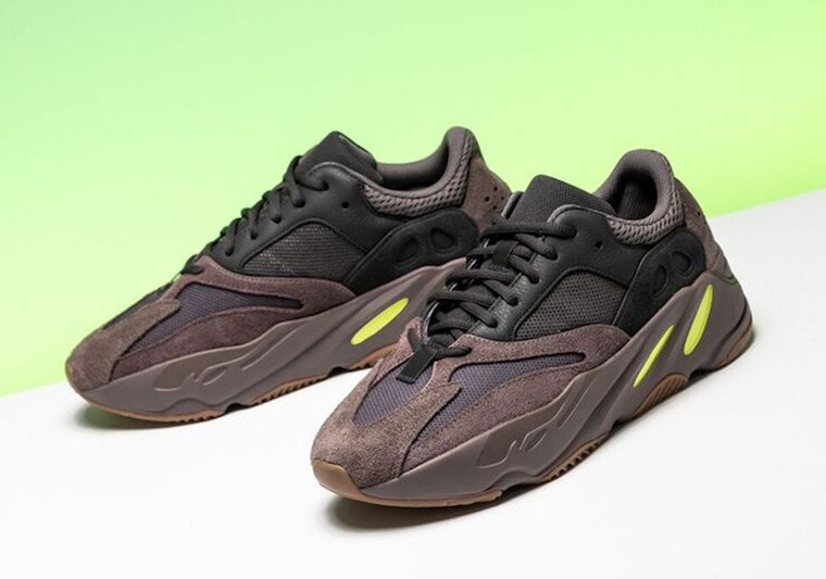 41e7965056338 adidas Yeezy Boost 700