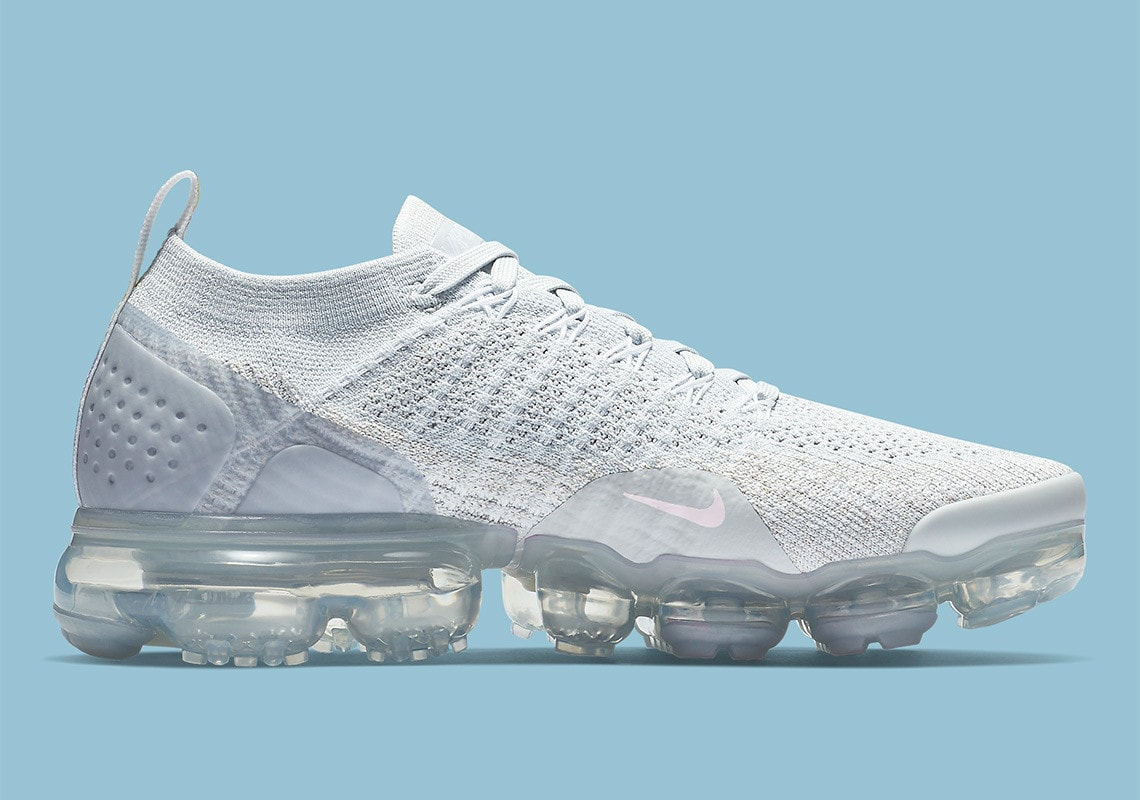 "size 40 0096d dd8df Nike Air Vapormax Flyknit 2.0 ""Floral"" Release Date December 2018. Price  190. Color Pure PlatinumArctic PinkPure Platinum Style Code 942843-011"