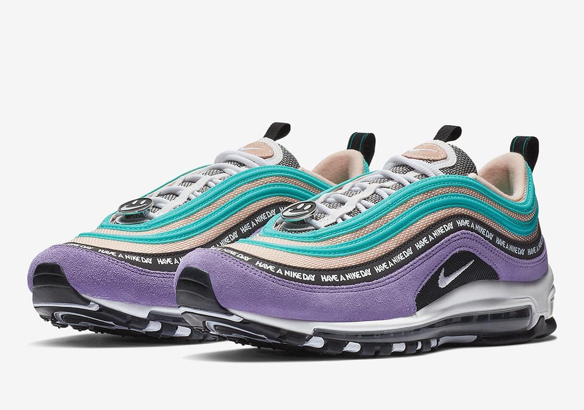 500235e08a8 Nike