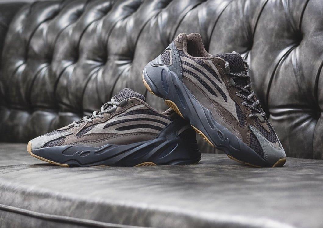 dc36eb68d adidas Yeezy Boost 700 V2
