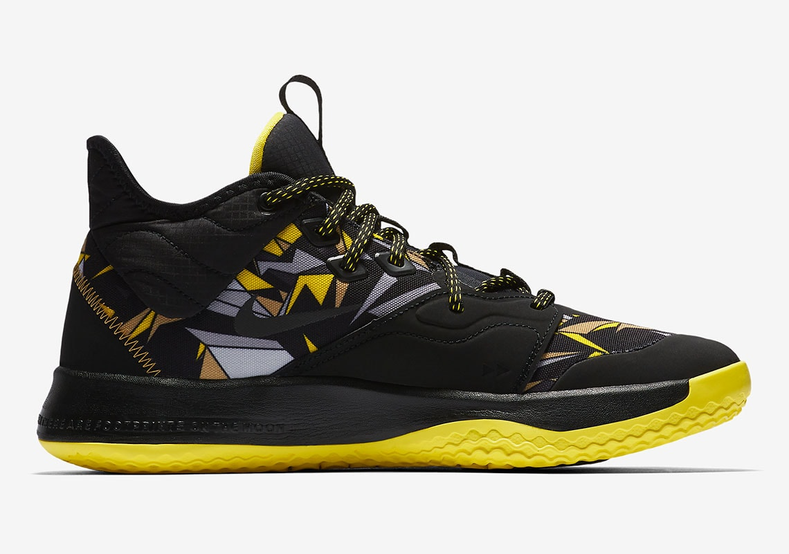 cb04e47b0fa6 Official Images Surface of the Nike PG3