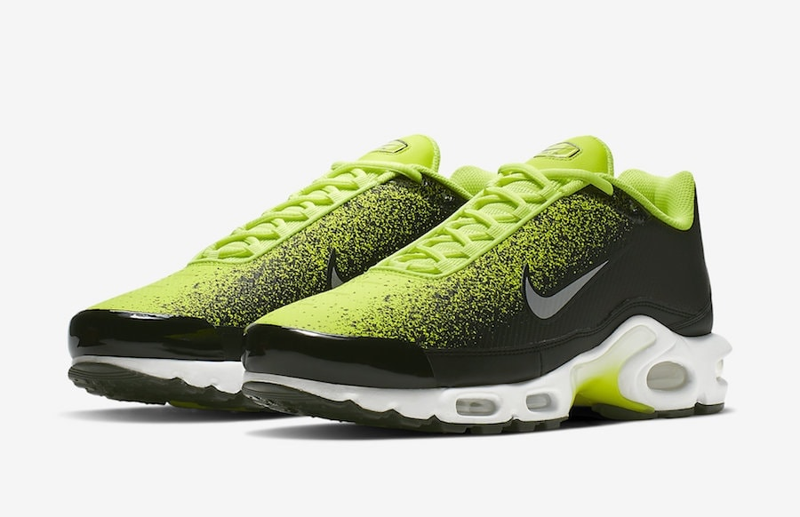 ae1cc89e9 Nike seems to really like the spray paint design as this marks the third Nike  Air Max Plus TN SE that it will be splashed on