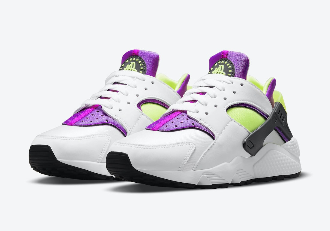 """The Nike Air Huarache in """"Magenta"""" Returns This Spring"""