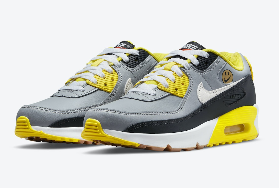 """Nike Air Max 90 """"Go The Extra Smile"""" Dropping for the Kids"""