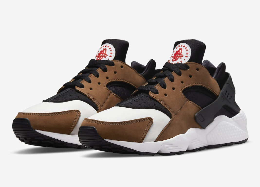 """Nike Applies its """"Escape 2.0"""" Color Scheme to the Remastered Air Huarache"""