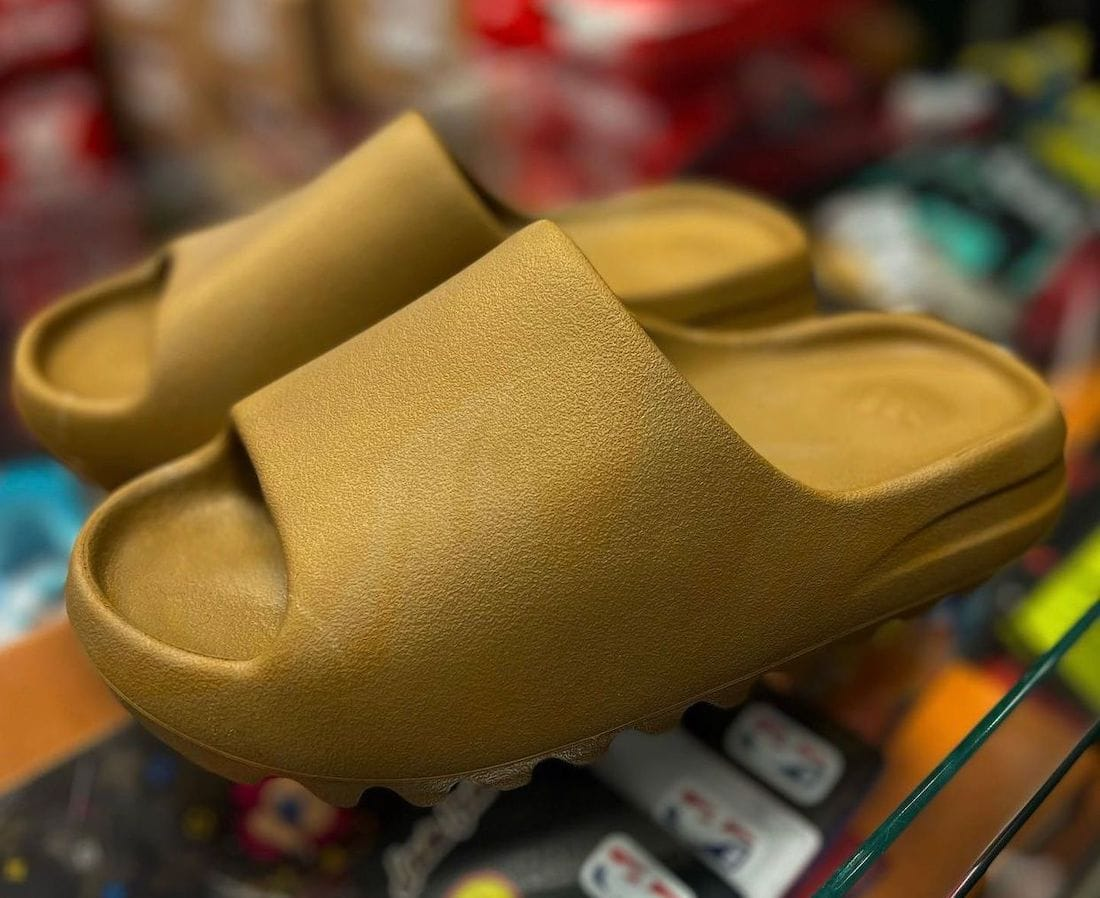 """adidas Yeezy Slide Dropping in an """"Ochre"""" Theme"""
